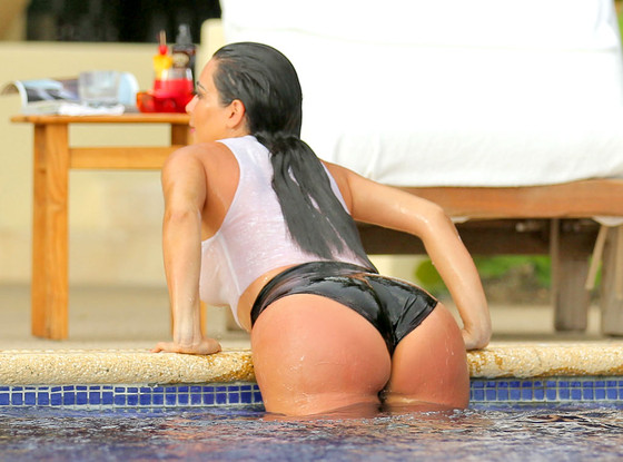 rs_560x415-140618130003-1024_kim-kardashian-sexy-butt-pool-061814